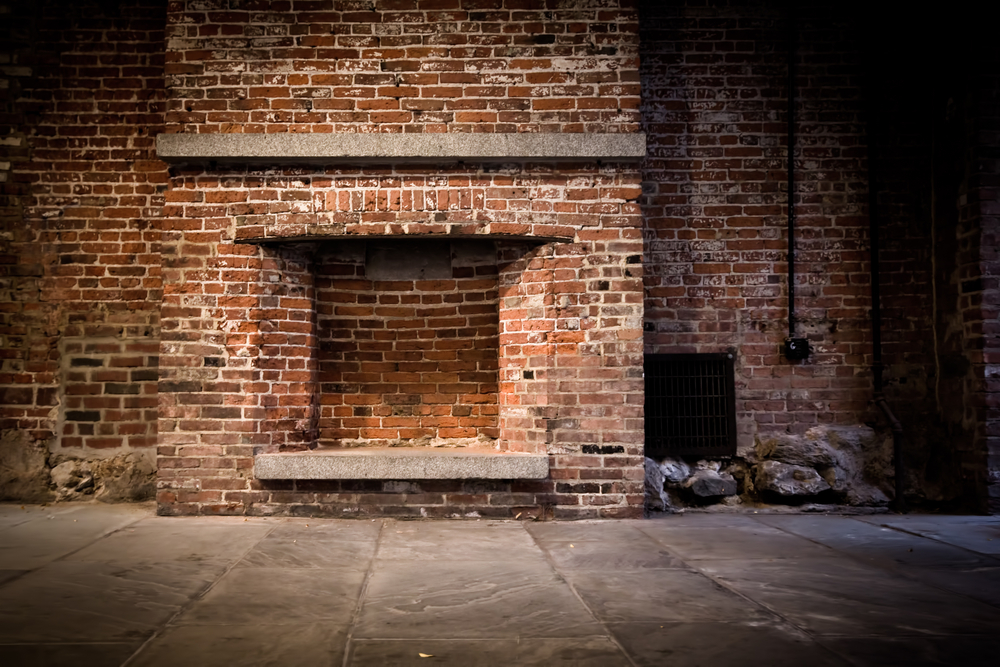 brick fireplace that needs to be painted